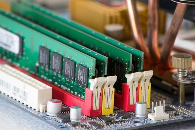 ECC and NON ECC DDR1 DDR2 DDR3 Memory modules