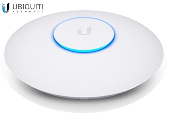 Ubiquiti Networks UAP-AC-PRO-US UniFi AC Pro Access Point